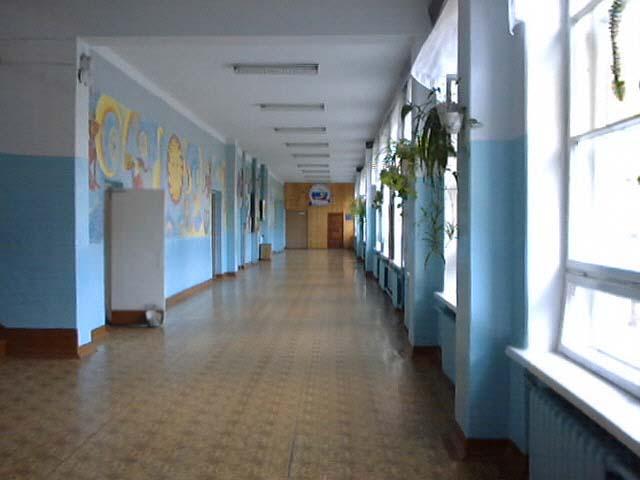 Коридор школы фото